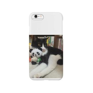 パンダを抱っこするりんごさん Smartphone cases