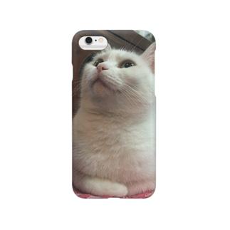 iphoneに興味を示したもにゅ Smartphone cases