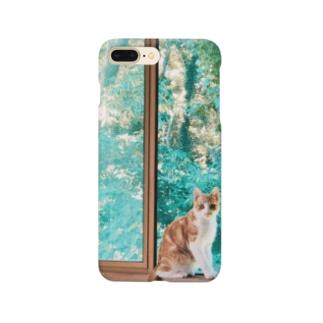 緑の中の猫 Smartphone cases