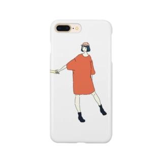 手をひくTシャツワンピ Smartphone cases