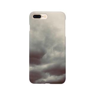 shizukusanの棚のドンヨリ雲 Smartphone cases
