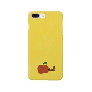 飛びつきリス りんご Smartphone cases