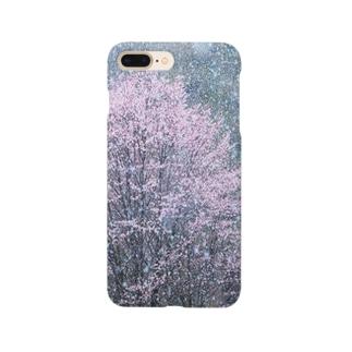 雪と桜のコラボレーション。 Smartphone cases