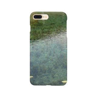 透明な池 Smartphone cases