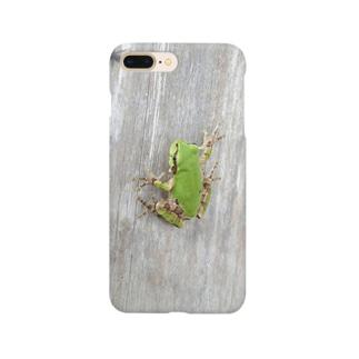 壁に貼りつくカエルさん Smartphone cases