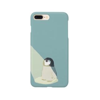 スポットライトに当たるペンギン Smartphone cases