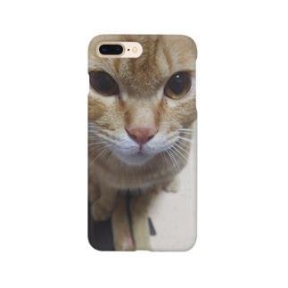 茶トラのガン見スマホケース Smartphone cases