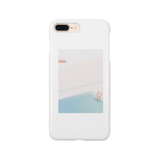 雨の日のプール Smartphone cases