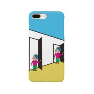 大きくなるドア Smartphone cases