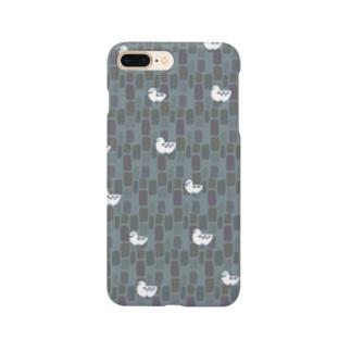 石だたみの上のかもめ Smartphone cases