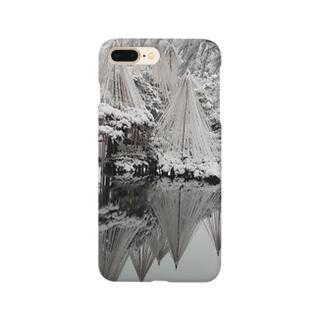雪の兼六園 Smartphone cases