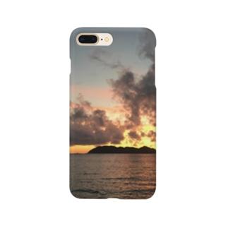 The sea where the setting sun shines  Smartphone cases