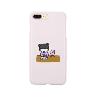 お勉強する女の子 Smartphone cases