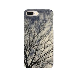秋空と枯れ木 Smartphone cases