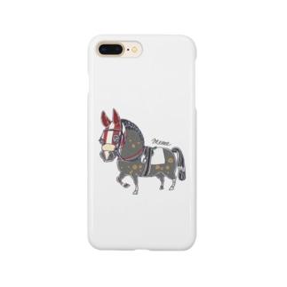 青毛 赤いメンコの競走馬 Smartphone cases