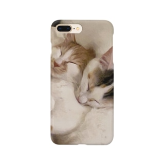 猫たちとねむる Smartphone cases