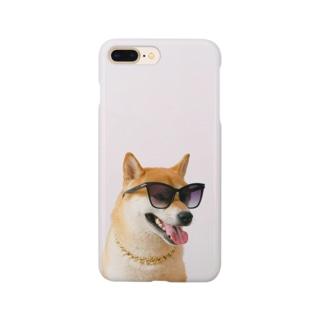 サングラスをした犬のスマホケース Smartphone cases