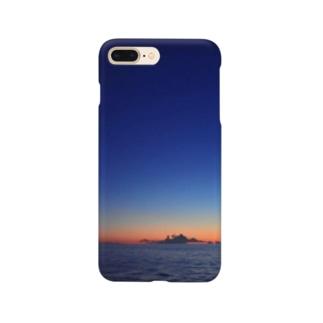 🚢水平線に沈む夕陽 Smartphone cases