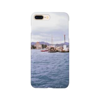 ギリシャ:小型帆船が舫うエギナ島の波止場の風景写真 Greece: Small ships at Egina Is. Smartphone cases