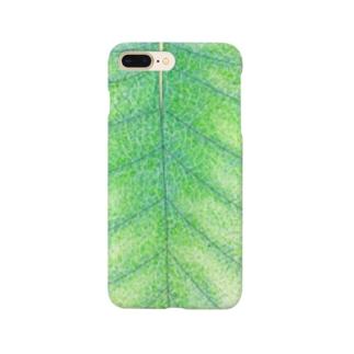 小さなトカゲが休んでいた葉っぱ Smartphone cases