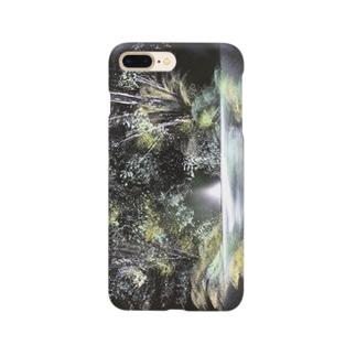 森深く Smartphone cases