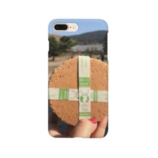 鹿(せんべい) Smartphone cases