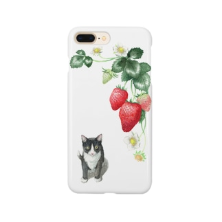 いちごとハチワレ子猫 スマートフォンケース