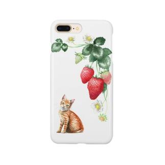 いちごと茶トラ子猫 スマートフォンケース