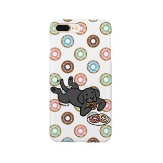 ドーナツをつまむブラックラブラドール Smartphone Case