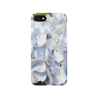 梅雨の白い紫陽花(あじさい) Smartphone cases