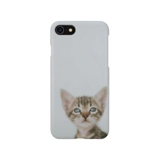 見つめる猫のスマホケース Smartphone cases