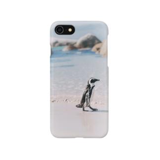 お散歩中のペンギンのスマホケース Smartphone cases