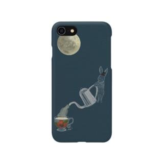 満月の夜に紅茶を うさぎ スマホケース Smartphone cases