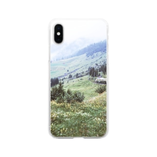 スイス:WABの登山電車が見える山岳風景 Switzerland: WAB train in mountainside Soft clear smartphone cases