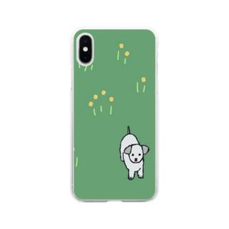 野原に立つ犬 Soft clear smartphone cases