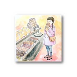パン屋で頬張る女の子 Stickers