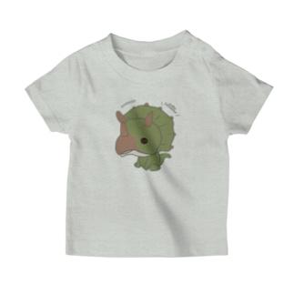 トリケラトプス(恐竜) T-shirts