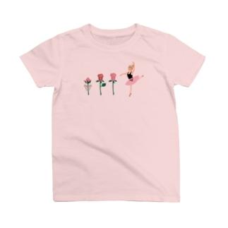 バラとバレエ姫 T-Shirt