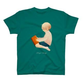 ほんをよむ T-shirts