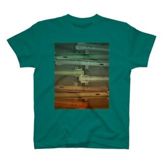 駐輪場 T-shirts