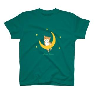 月と柴 T-shirts