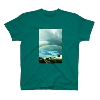 雨上がりの虹 T-shirts