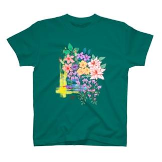 五月のお花盛りだくさん T-shirts