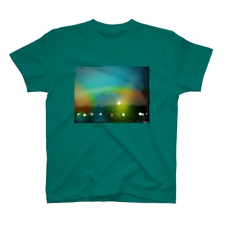 HW&Fと夜景写真のLIGHT LEAKS加工 T-shirts