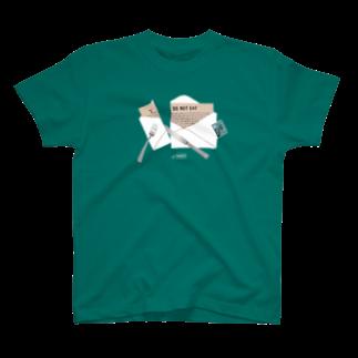TRINCHのY.G.S.N. POSTAGE 01 T-shirts