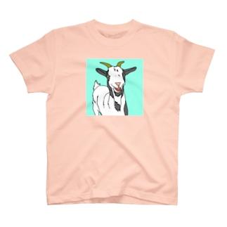 笑うヤギ T-shirts