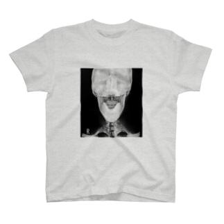 私の頭蓋骨(正面) T-shirts