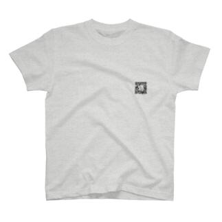 カタツムリ 二次元バーコードロゴ T-shirts