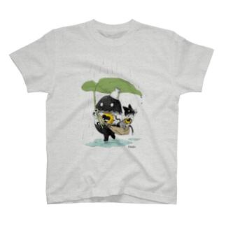 雨の日さんぽ T-shirts