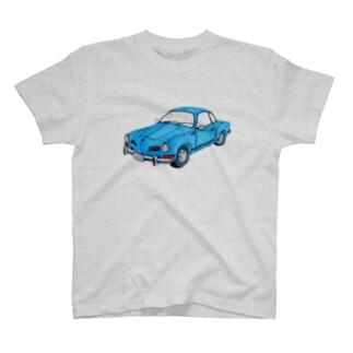 青い車 T-shirts
